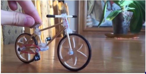 Hướng dẫn cách làm xe đạp bằng tăm tre để có những món quà xinh xắn 1