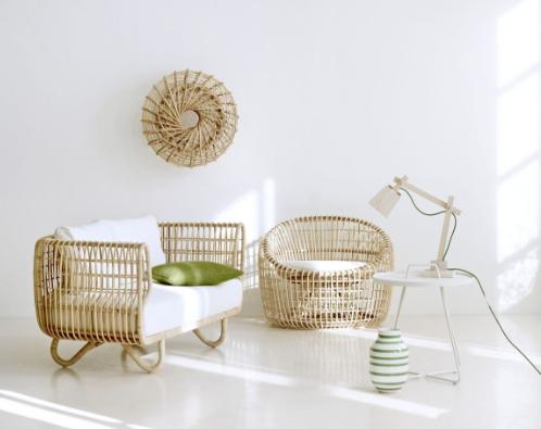 Những mẫu bàn ghế cách điệu phù hợp với không gian gia đình