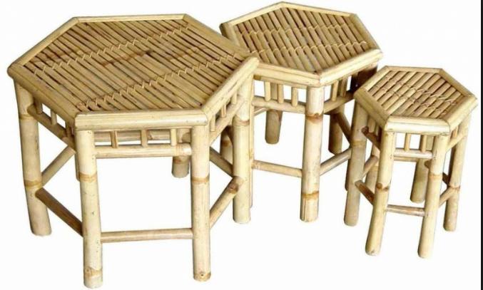 Những mẫu ghế đơn giản nhất chúng ta có thể bắt gặp ở các quán cà phê nho nhỏ, vừa dùng làm ghế nhưng cũng có thể tận dụng làm bàn