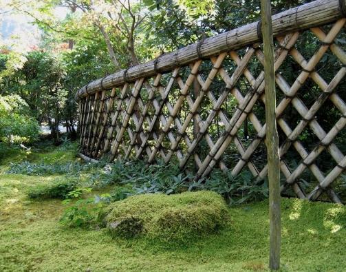 Kiểu hàng rào cổ điển bằng tre trúc