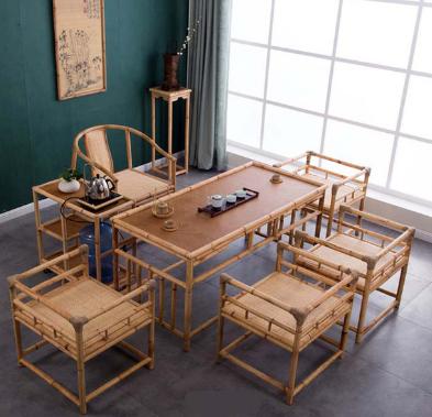 Có một căn phòng riêng với cửa sổ rộng, bàn ghế đơn giản từ tre trúc, ấm trà, tranh thư pháp đủ để giúp bản thân ai bước vào đó cảm thấy thoải mái, thư giãn