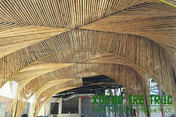 Thi công trần nhà bằng tre trúc nghệ thuật độc đáo